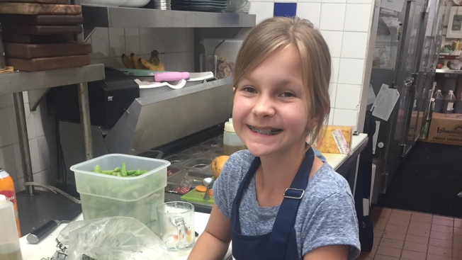 [G] San Diego Girl, 10, Competes on TV Cooking Show