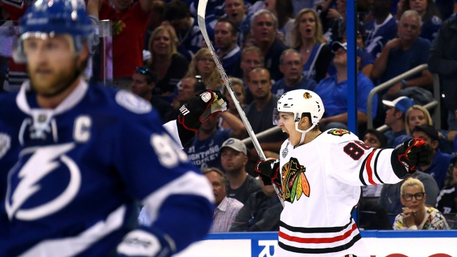 2015 NHL Final: Blackhawks Storm Back to Stun Lightning in Game 1, 2-1