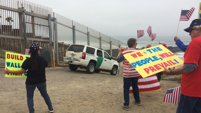 Concert to Protest Trump's Border Wall Held at US-Mexico Border