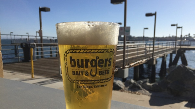 New Waterfront Restaurant Opens at Embarcadero Park