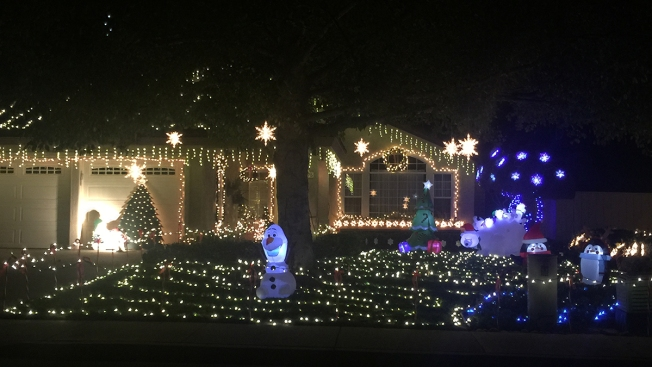 Must-See Christmas Lights in San Diego Neighborhoods