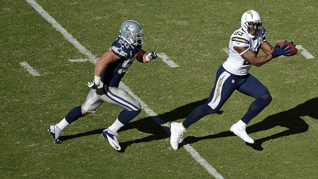 Chargers Beat Cowboys 30-21