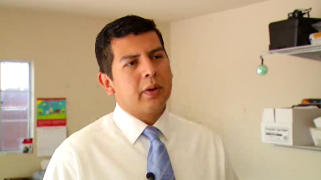 Gloria Endorses Alvarez for San Diego Mayor