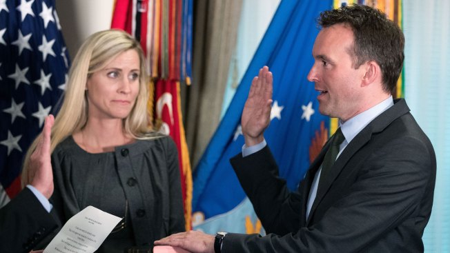 Eric Fanning Sworn in as First Openly Gay Army Secretary
