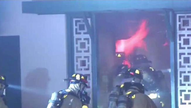Firefighters evacuate redwood village apartment complex - Apartment complexes san diego ...