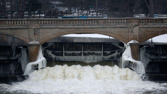 Flint Residents Receive Bills on Poisoned Water