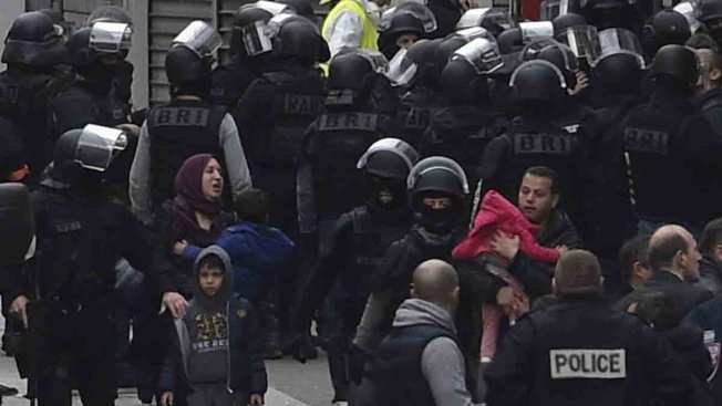 France: 2,000 Raids, 210 Arrests Since State of Emergency