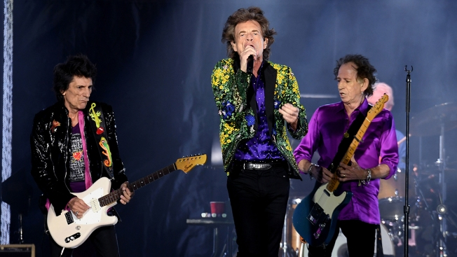 [NATL] Top Entertainment Photos: The Rolling Stones at Rose Bowl, Taylor Swift in Central Park, and More