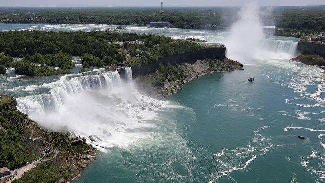 Foul-Smelling Discharge Turns Water Black at Niagara Falls