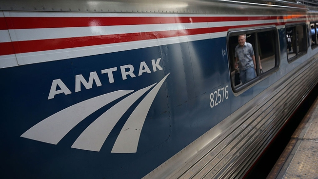 Pizza delivery man takes pie to stalled Amtrak train in Delaware