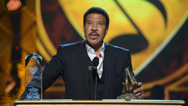 Rihanna, Usher, Wonder Honor Lionel Richie on Grammy Weekend