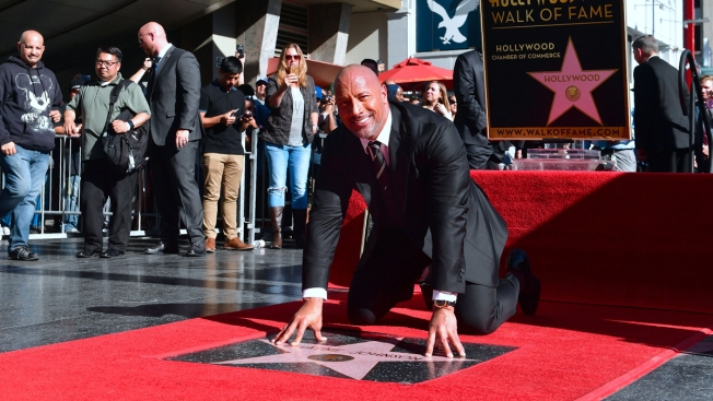 [UPDATED 12/13] Stars Honored on Hollywood Walk of Fame in 2017