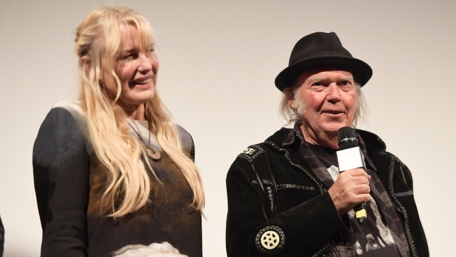Rocker Neil Young Acknowledges Marriage to Daryl Hannah