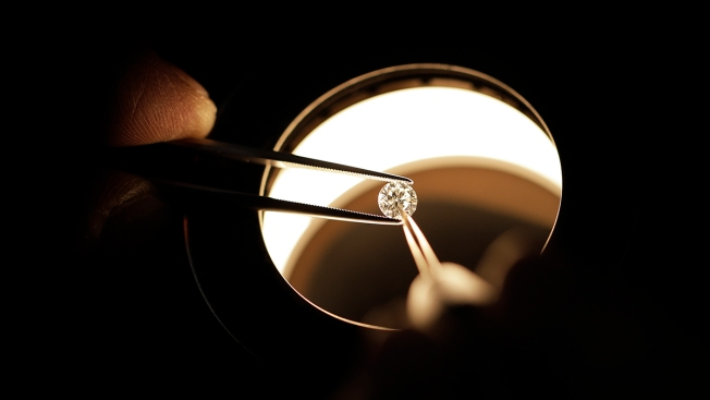 $1.84M Diamond Stolen From Japanese Jewelry Fair; Police Investigating