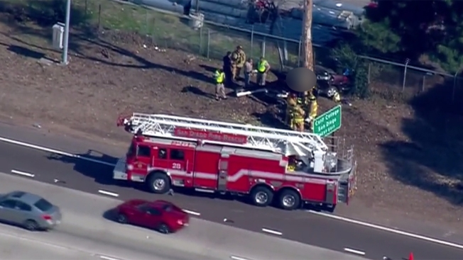 1 Killed After Car Slams Into Tree Off I-805 in Clairemont