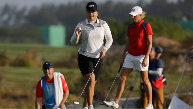 Women's Golf: Park Takes 2-Shot Lead Into Final Round