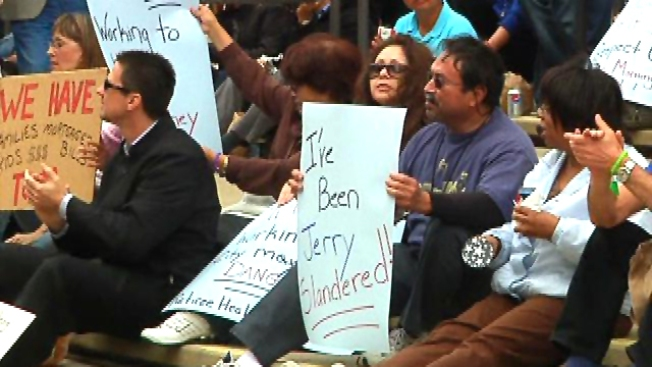 City Workers Protest: 'I've Been Jerry Slandered'