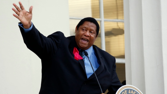 Mississippi Councilman Kenneth Stokes Calls to Pelt Police With Rocks