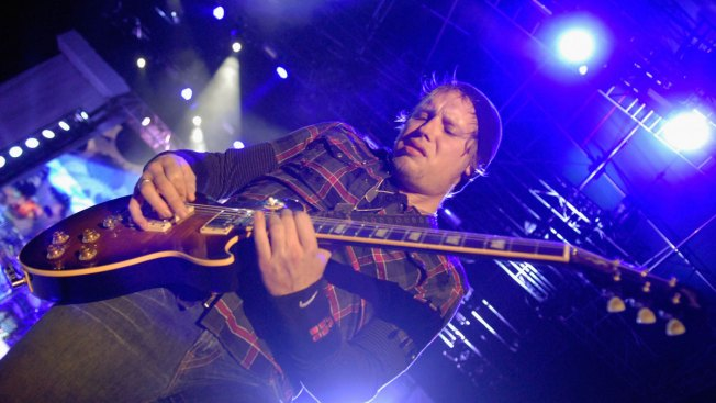 Founding Guitarist Of 3 Doors Down Matt Roberts Dies