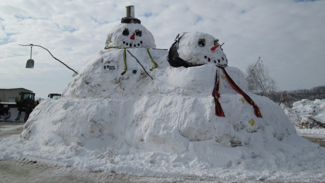 15-Foot Snowman Gets Married