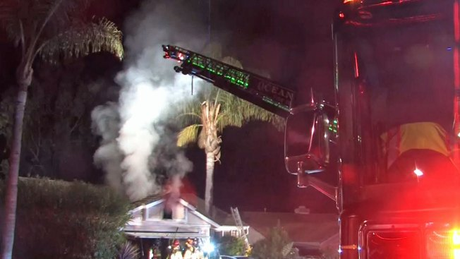 3 Escape Oceanside House Fire