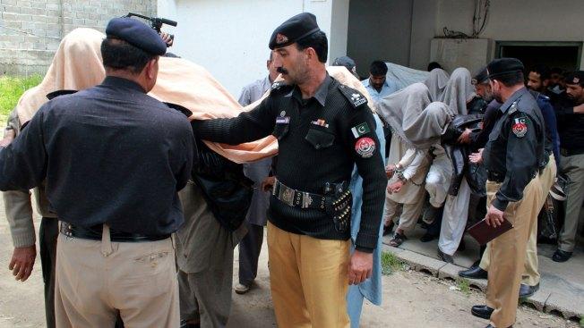 13 Arrested in Pakistan for Strangling, Burning Girl for 'Honor'