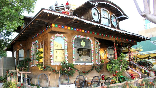 Little Italy Eatery Hosts Gingerbread House Contest