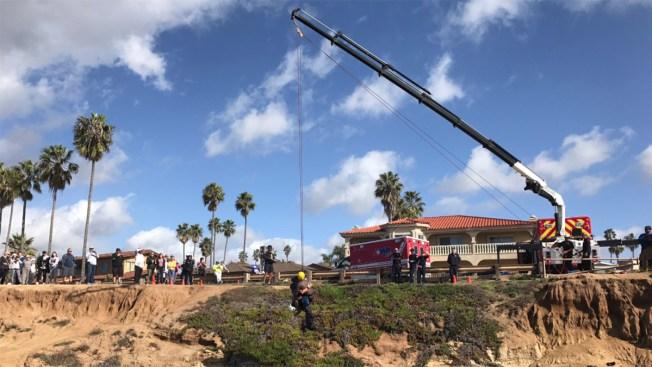 Lifeguards Hoist Person from Rocks Off Sunset Cliffs: SDFD