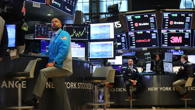 Fresh US-China Trade Worries Erase Early Gains for Stocks