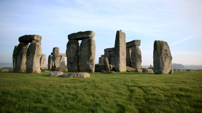 Stonehenge Built by Neolithic Migrant Descendants, Study Finds