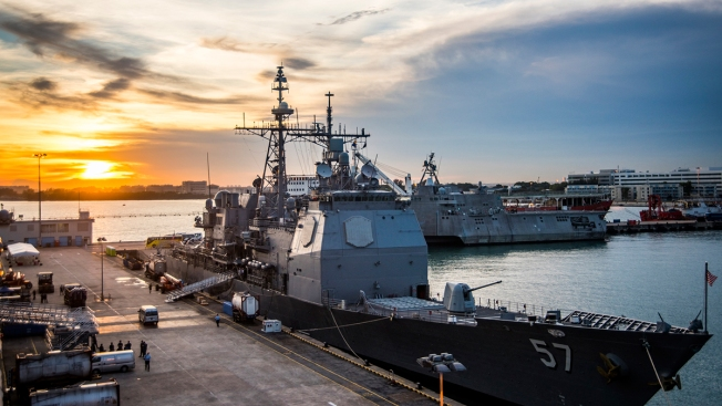 USS Lake Champlain Returns to San Diego for Minor Repairs
