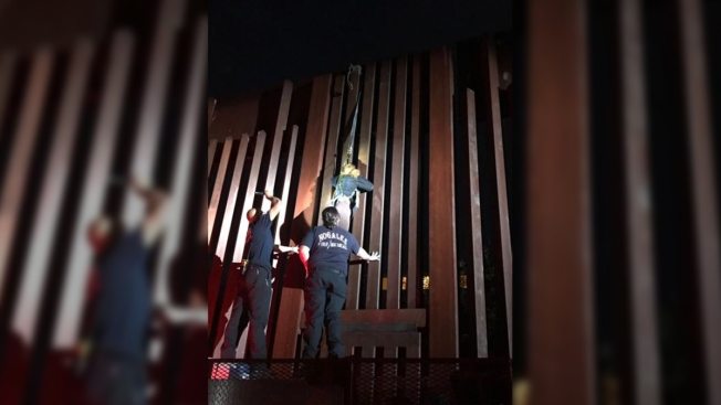 Agents Find Woman Dangling From Border Fence in Arizona