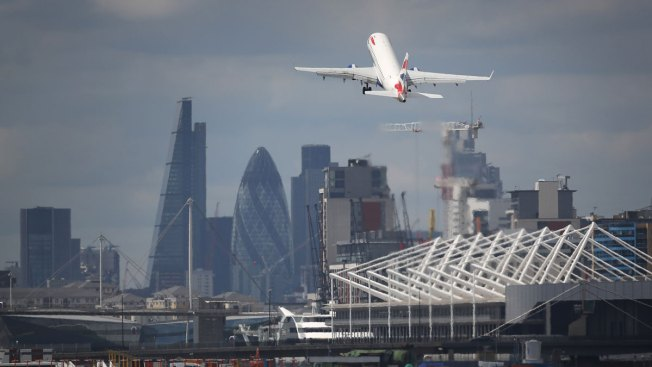 BA passengers encouraged to check-in online after IT glitch
