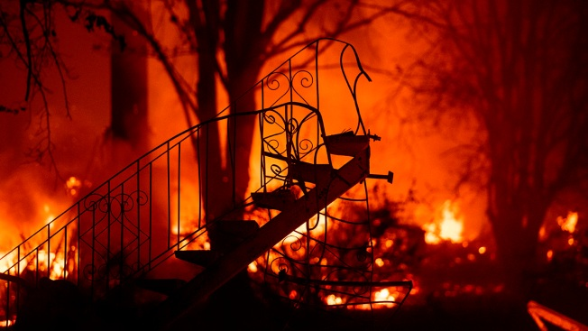 California Wildfires Death Toll Jumps to 25, Two Dead in SoCal