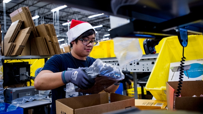 Retailers Look to Cyber Monday to Boost Sluggish Start to Holiday Shopping Season