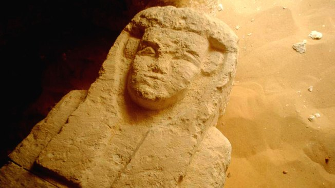 Egypt Archaeologists Discover Tombs Dating Back 2,000 Years