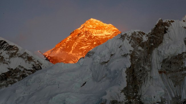 American Climber Dies, Indian Missing on Everest