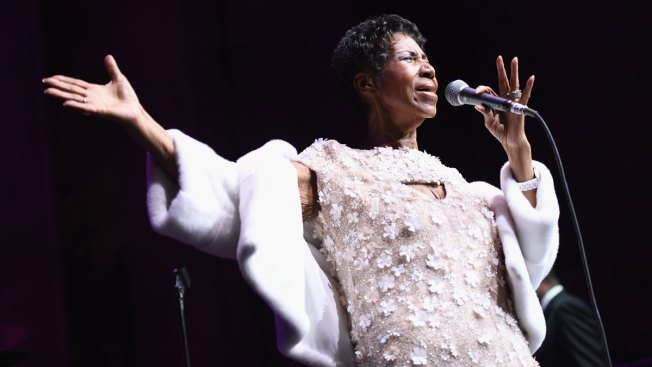 Stevie Wonder, Jesse Jackson Visit Ailing Aretha Franklin