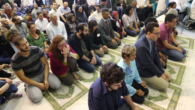 Berlin's First 'Liberal Mosque' Fights Extremism, Death Threats With 'Modern Islam'