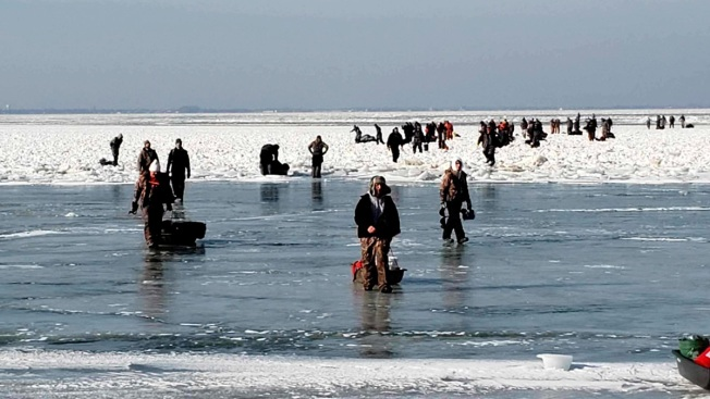 More Than 40 Ice Fishermen Rescued From Ice Floe in Lake Erie