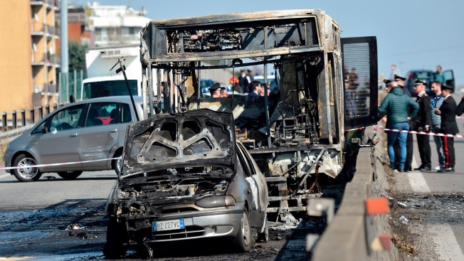 Italy: Driver Abducts Schoolchildren, Sets Bus Ablaze