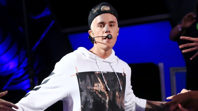 Justin Bieber Storms Off Stage at Concert in Oslo, Norway