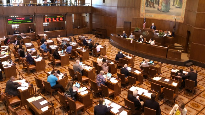 Oregon Republican Senators End Walkout Over Carbon Bill