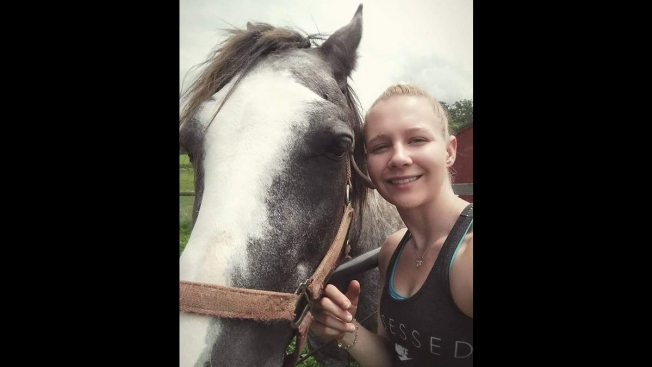 Mother of Alleged NSA Leaker Reality Winner: 'She's Not a Threat'