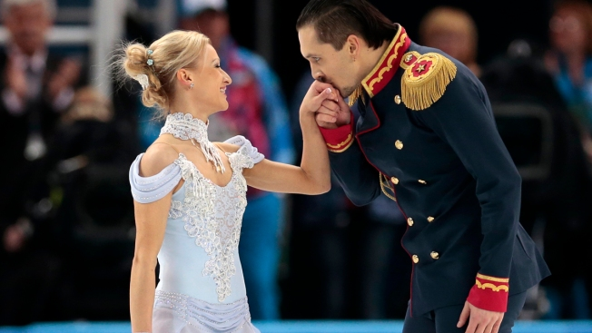 Russians Shine, U.S. Falters in Team Skating