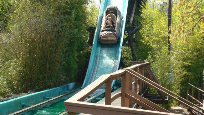 Log Flume Lover to Fight Six Flags Ban