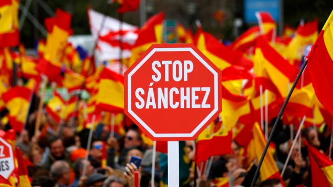 Right-Wingers Rally in Madrid, Demand Socialist PM Resign