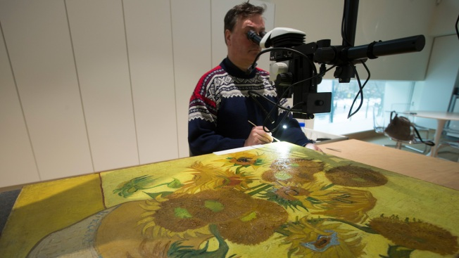 Van Gogh's 'Sunflowers' Staying Put in Amsterdam Museum