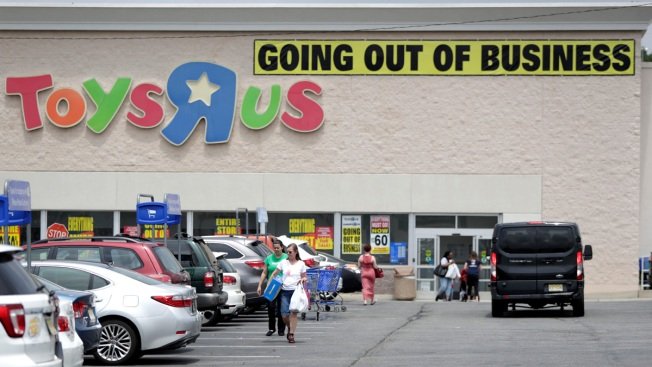 Ghost of Toys R Us Still Haunts Toy Makers