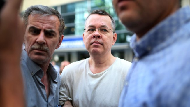 US Pastor Released From House Arrest, Flown Out of Turkey